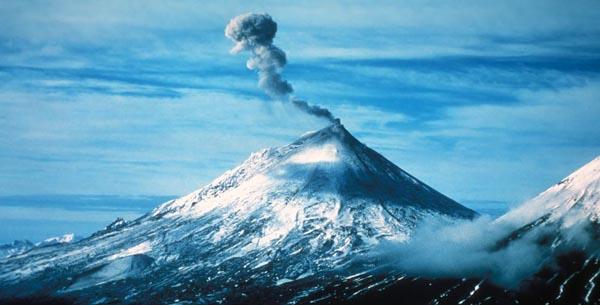 Pavlof_Volcano_Alaska_Peninsul