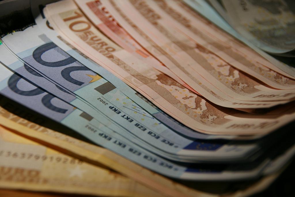 cash (euros)