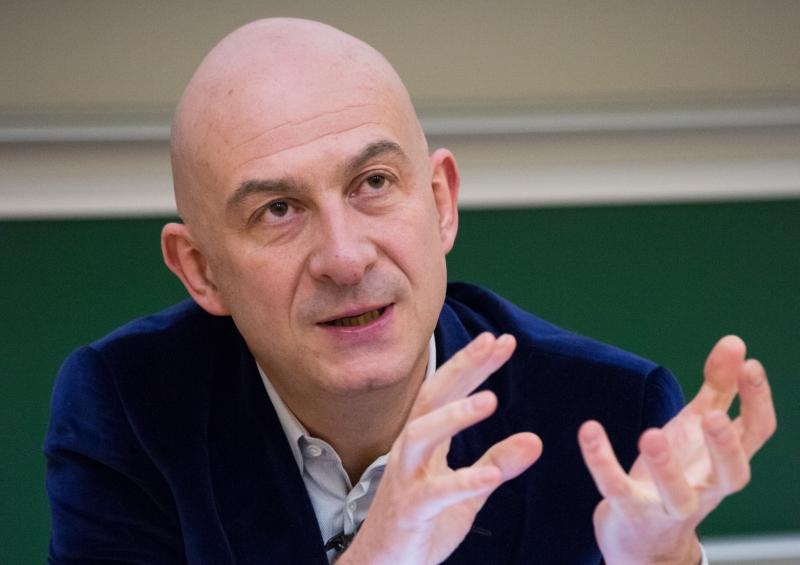 Pour François Lenglet, économiste de France 2, la France ...