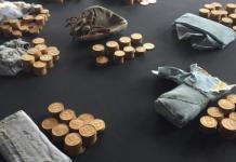 pièces d'or trouvées dans un piano