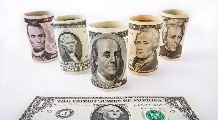 des dollars
